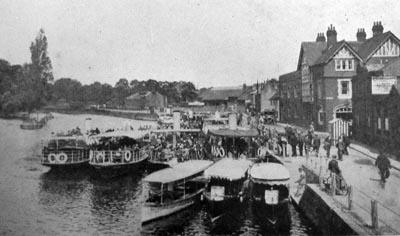 Steamers at Thameside